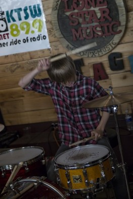 Residual Kid playing at Superfly's during MR Fest