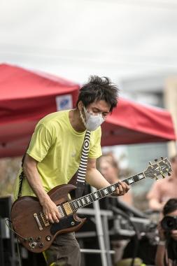 L. Alex Frank - Melt Banana performing at Fun Fun Fun Fest
