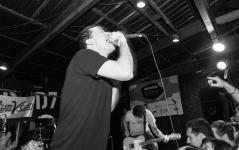 Touche Amore(2)