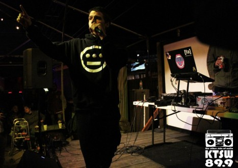 Poet at Heart: Feral the Earthworm showing his lyrical talent. Photo by Laura Valencia