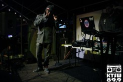 Ebb N Flow: Retr0gRaDe's smooth flow made it easy for the crowd to vibe along. Photo by Laura Valencia.