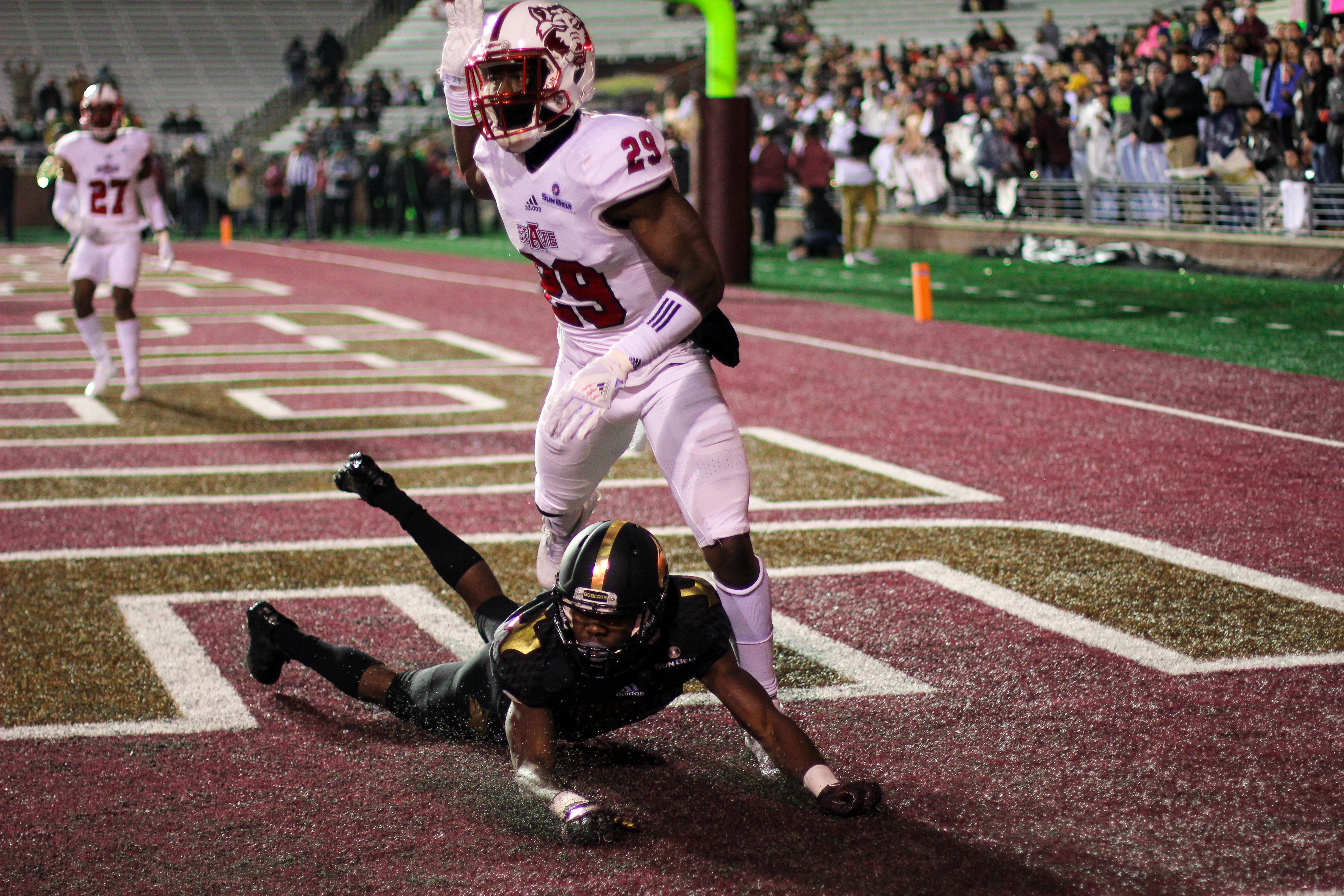 texas-state-player-tyring-to-get-open-in-the-endzone-credit_-maddison-tyson