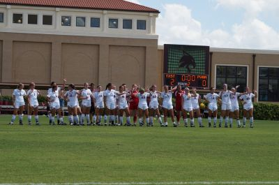 texas-state-womens-soccer-celebrating-after-a-game_eddie-lema