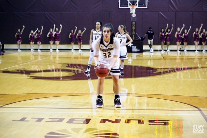 Kaitlin Walla lining up a shot from the line. Credit- Tafari Robertson.jpg