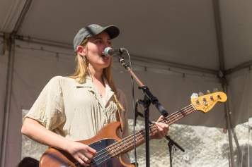 Frontwoman, Harriette Pilbeam, brought her dreamy vocals to the outdoor stage.
