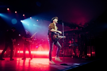 Mat-Kearney_Concert-Review_4-5-18_by_Nicole-Wolf_1