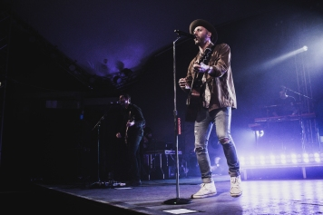 Mat-Kearney_Concert-Review_4-5-18_by_Nicole-Wolf_2