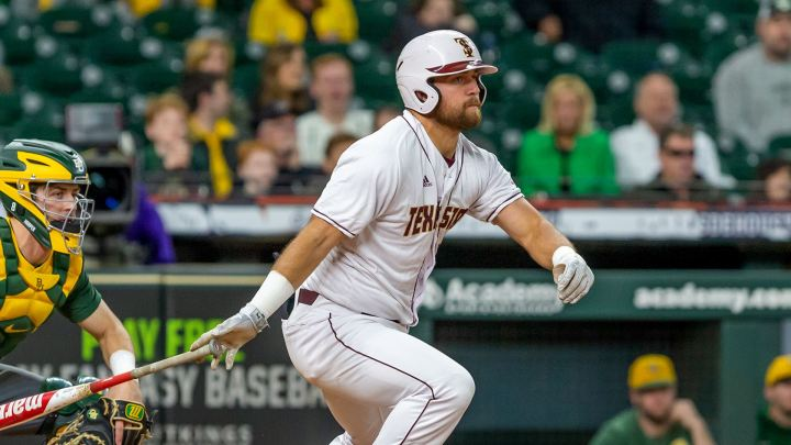 TXST bounces back with a sweep against the Warhawks