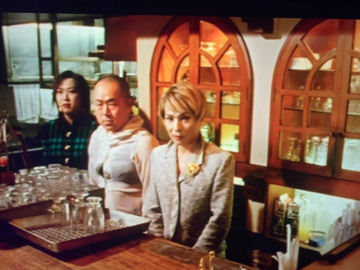 screenshot from Gozu of a cafe