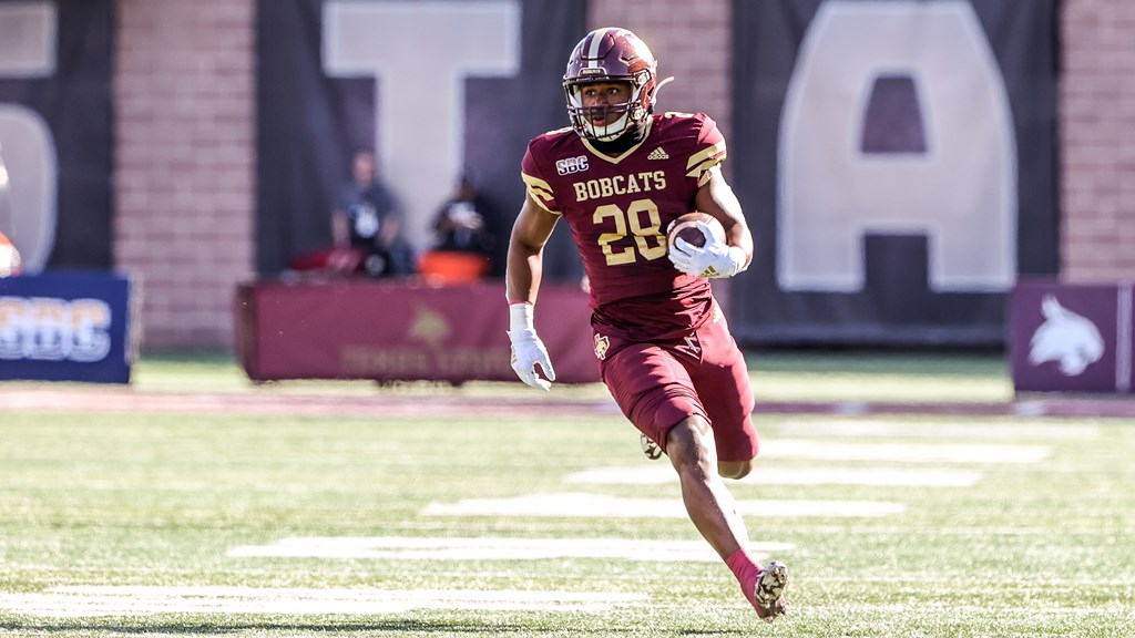 Texas State running back Jahmyl Jeter is running the ball in the Texas State game versus Appalachian State.